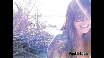 girl beach on the Video porno mex hombre alto con enana