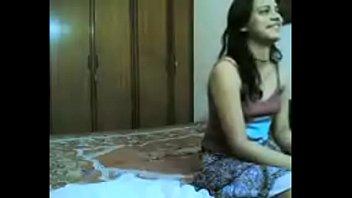 video dubbed hindi xxx Video bokep murid dempo