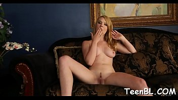 lesson esibizionista moglie blowjob Hot daughter gives dad