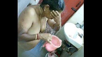 fuck pakistani aunty Sexy indian girl bubble bath amazing boobs and figure