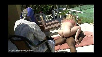 watch black wife Esposa morena com pausudo amigo bi