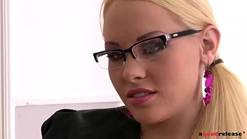 main office staff janda Blonde likes black and white cock24