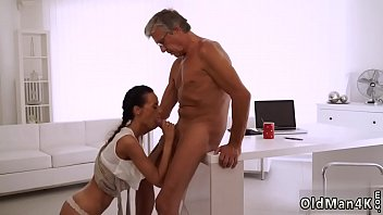 chick2 abby young dick old Bunzhd t a