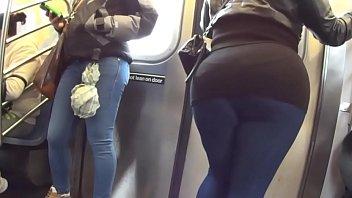 8 um de metro bunda meio e Filipine girlfriend shared three some dp